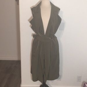 Metaphor Green Sleeveless Cardigan Formal Dress